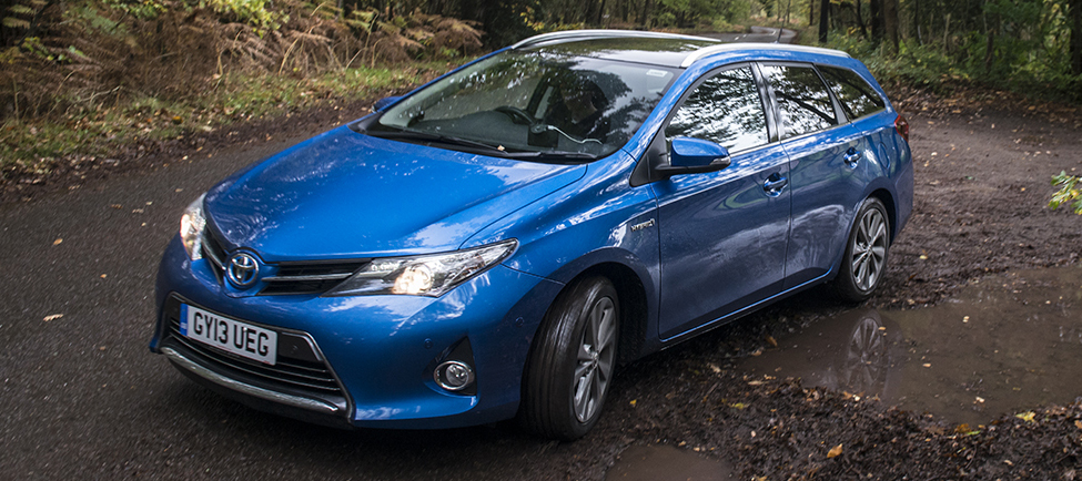 british built toyota auris hybrid touring sports review. Black Bedroom Furniture Sets. Home Design Ideas