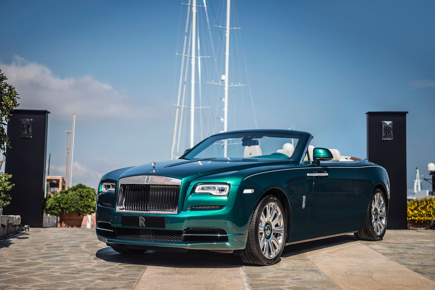 Examples of Rolls-Royce Bespoke Cars on Drive.co.uk-5