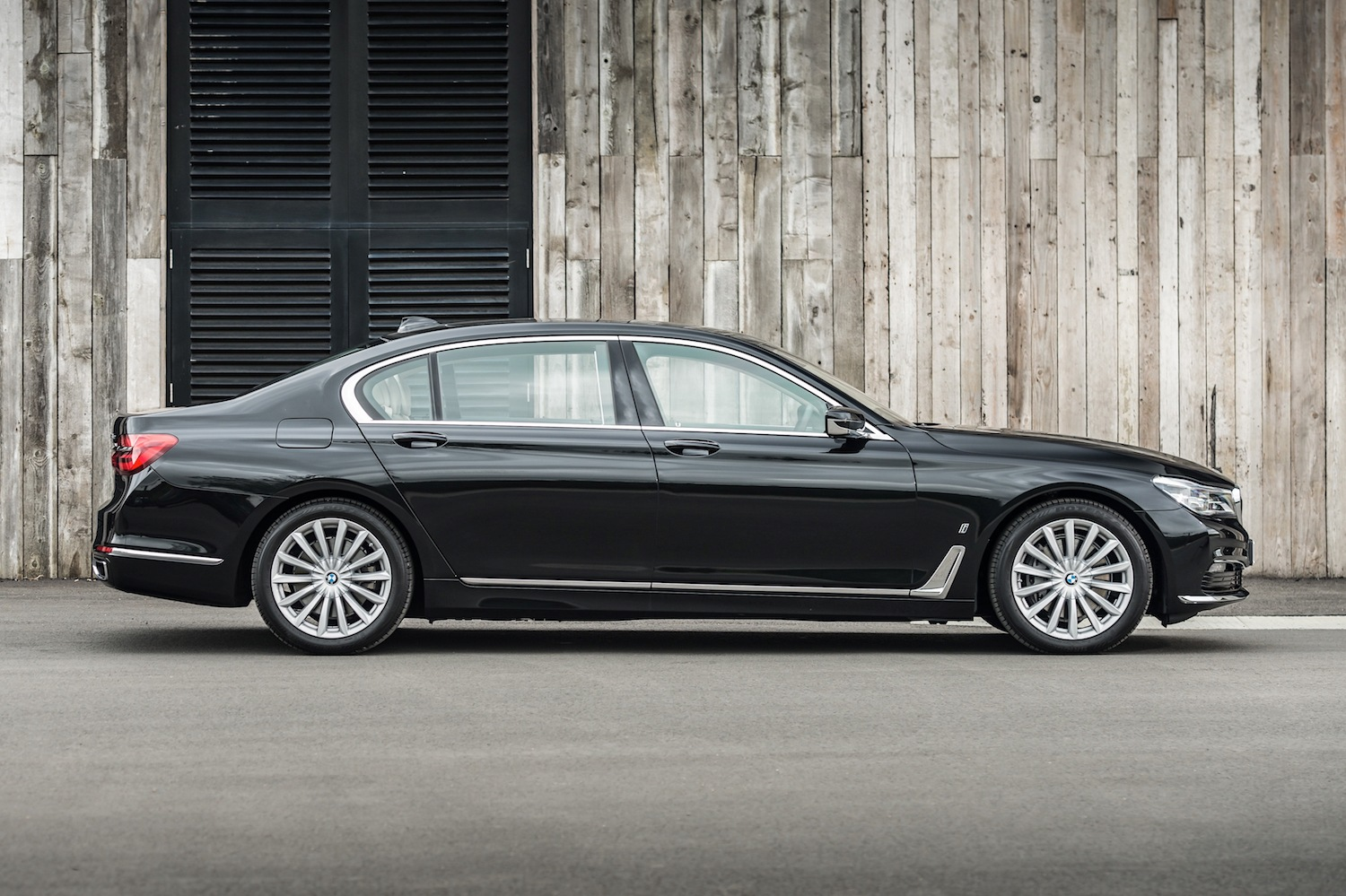 Neil Lyndon reviews the BMW 740 Ld M Sport for Drive 1