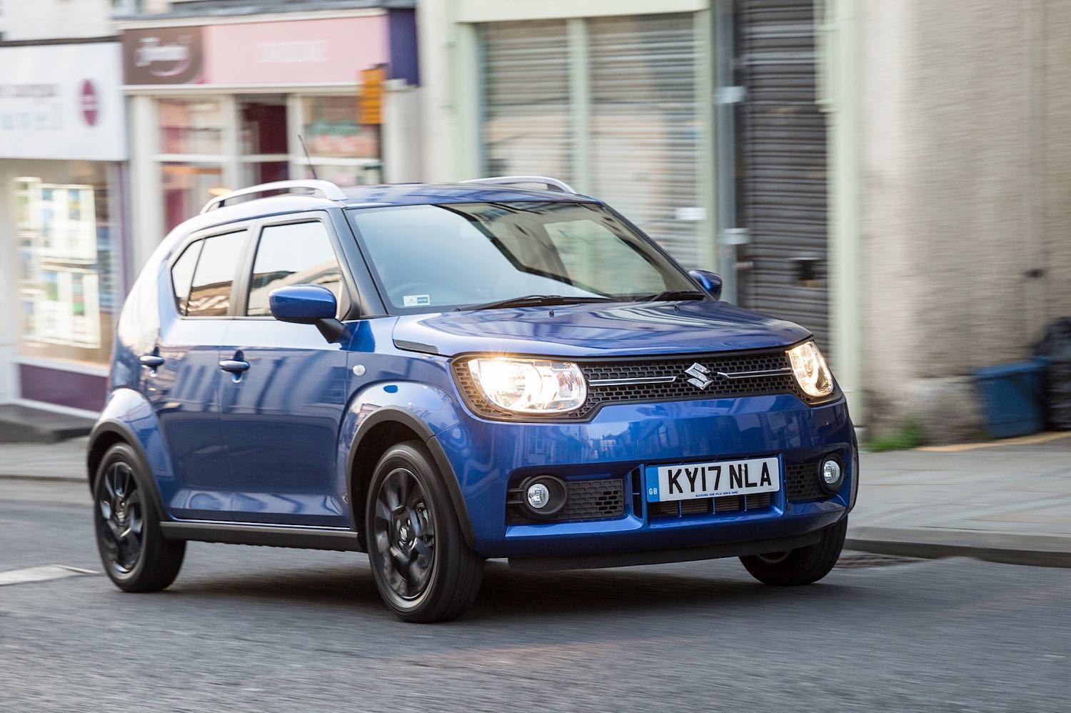 Tom Scanlan drives the Suzuki Ignis Review by Drive 6