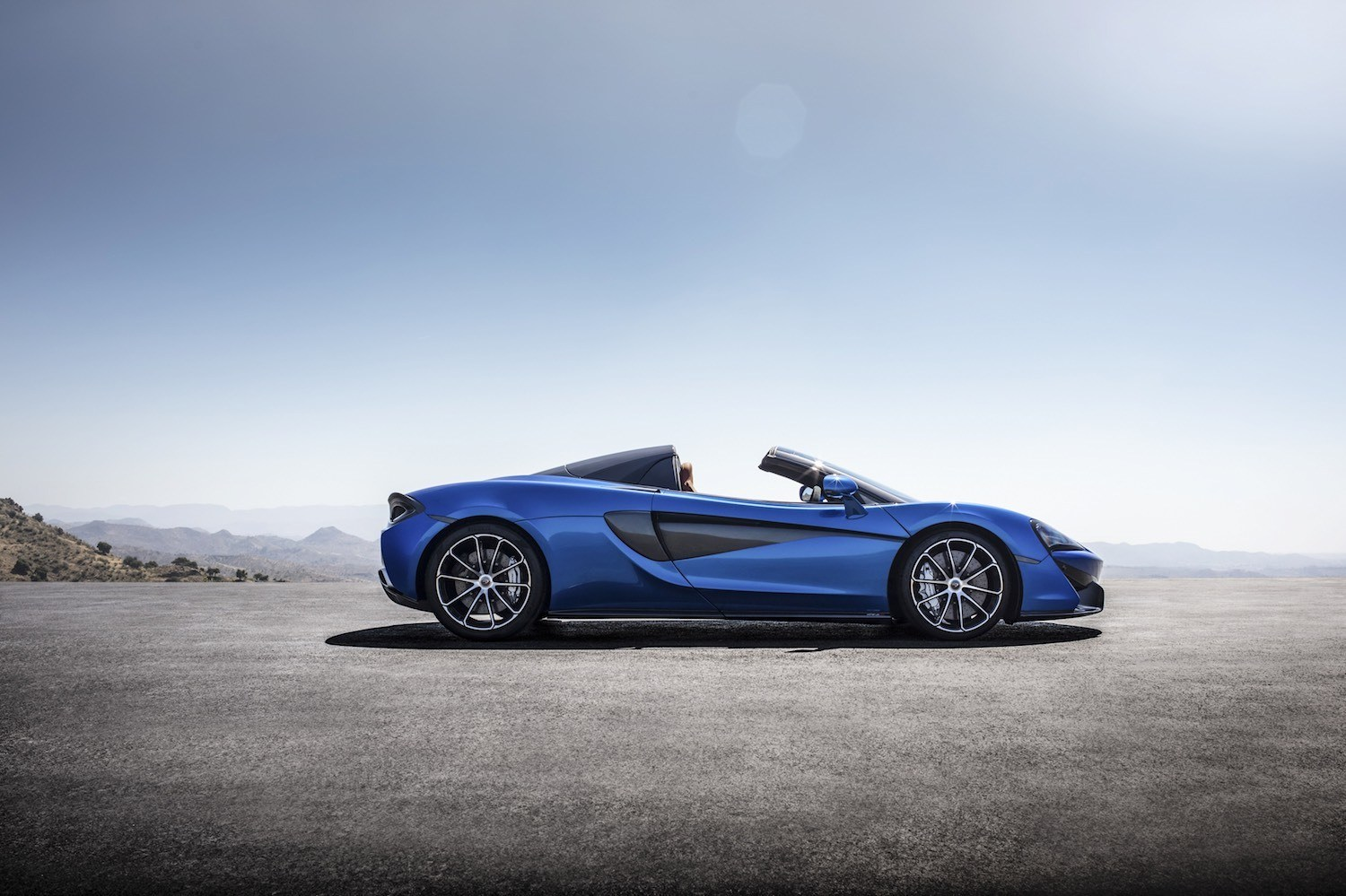 Neil Lyndon reviews the latest New McLaren 720S Spider for Drive 13