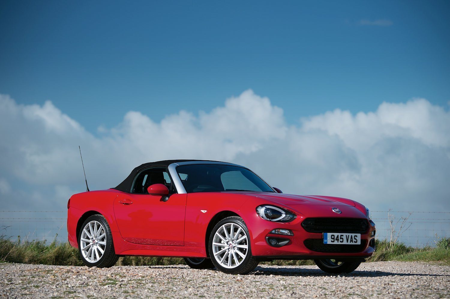 Tom Scanlan reviews the Fiat 124 Spider for Drive 8