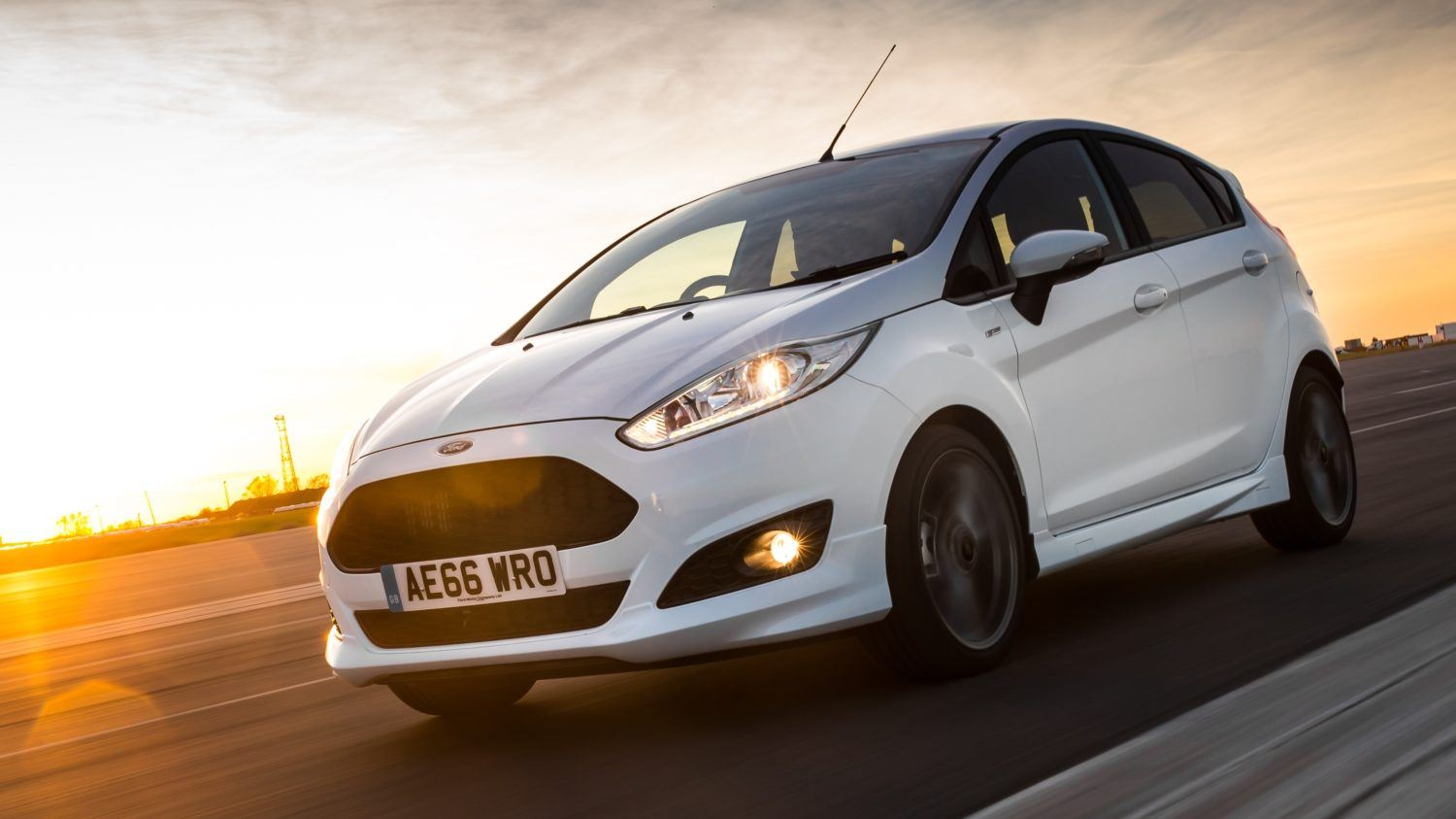 Drive co uk catch it while you can the ford fiesta st line 2016 review