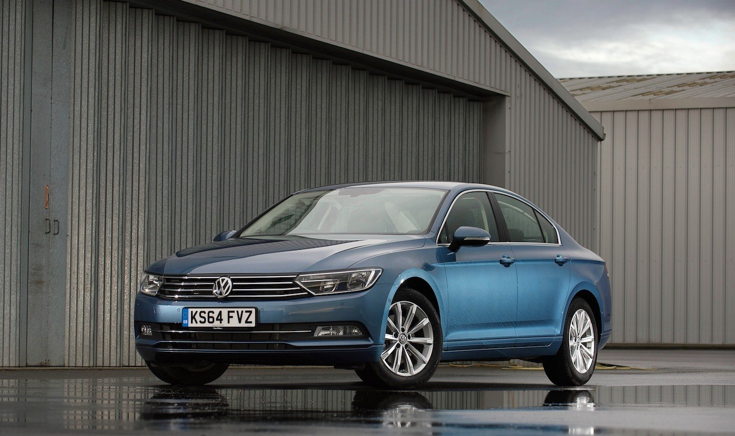 Tom Scanlan reviews the 2017 Volkswagen Passat 1