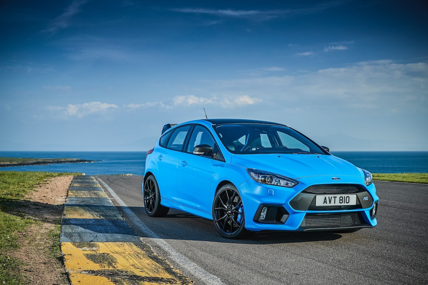 Neil Lyndon reviews the 2017 Ford Focus RS Mountune for Drive 7
