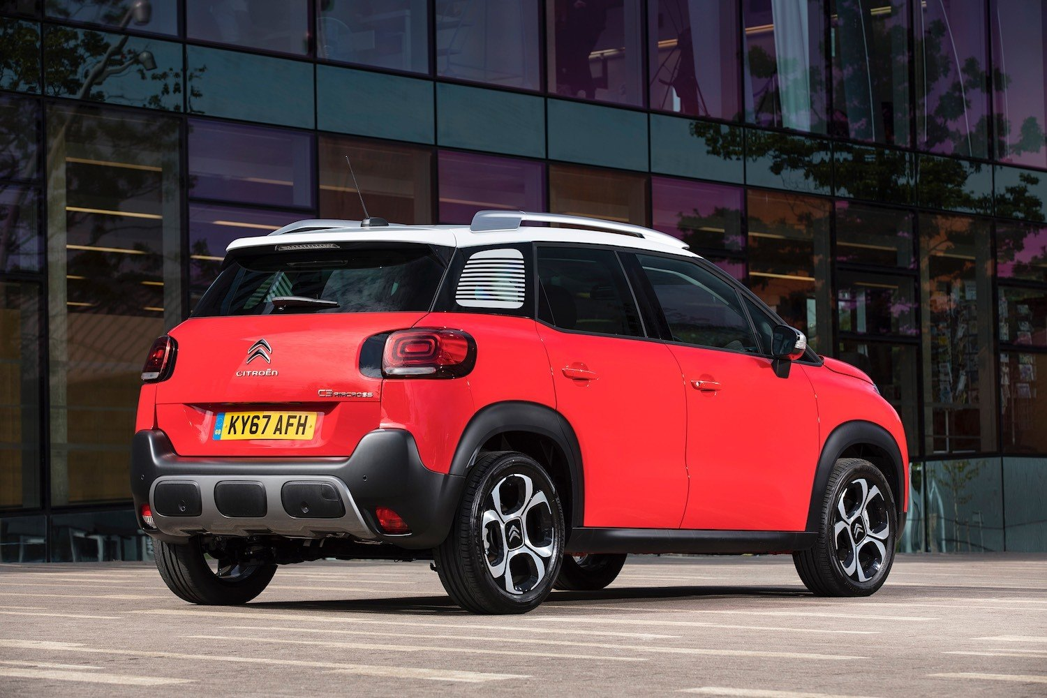Tom Scanlan revews the All New Citroen C3 Aircross for Drive 4