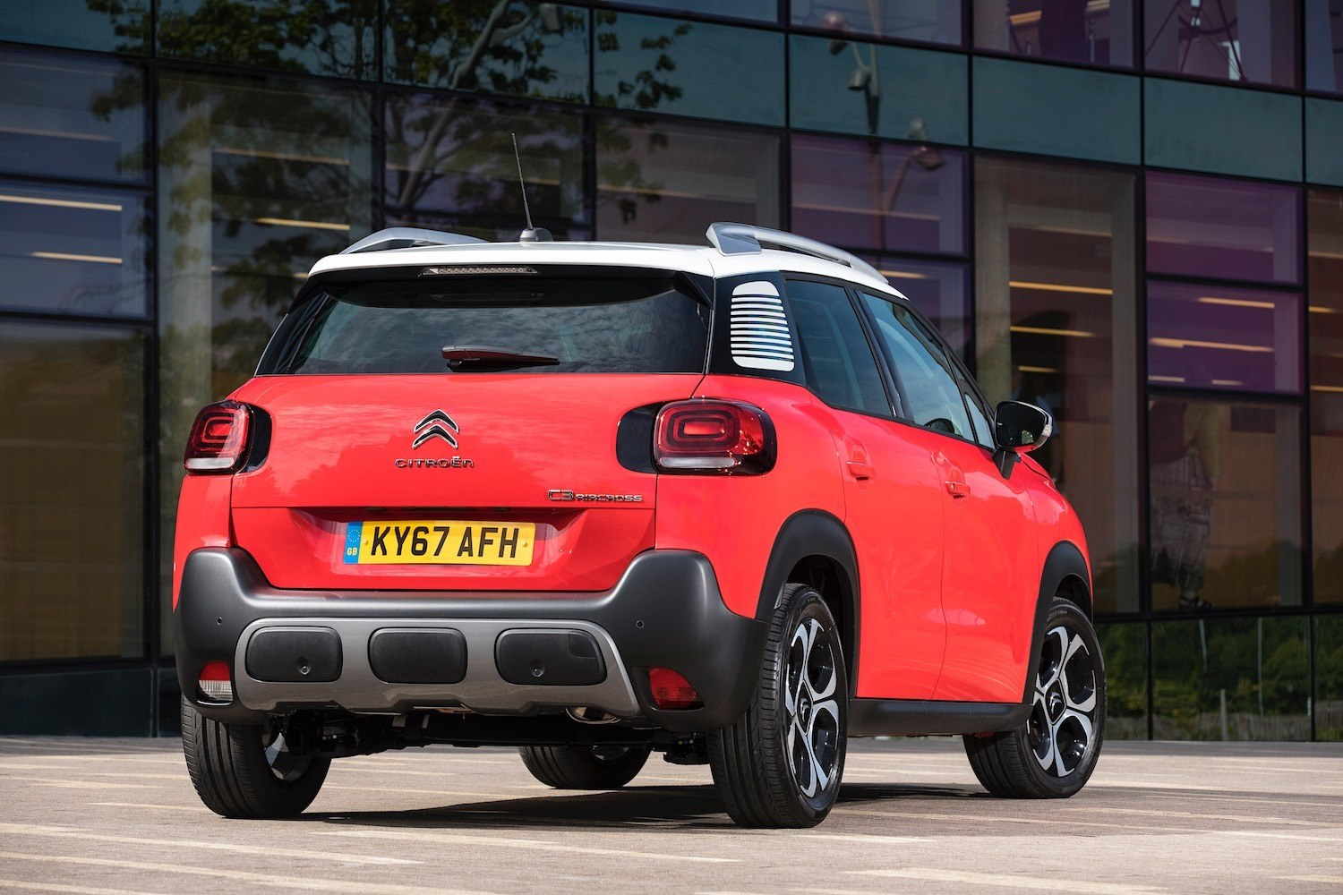 Tom Scanlan revews the All New Citroen C3 Aircross for Drive 5