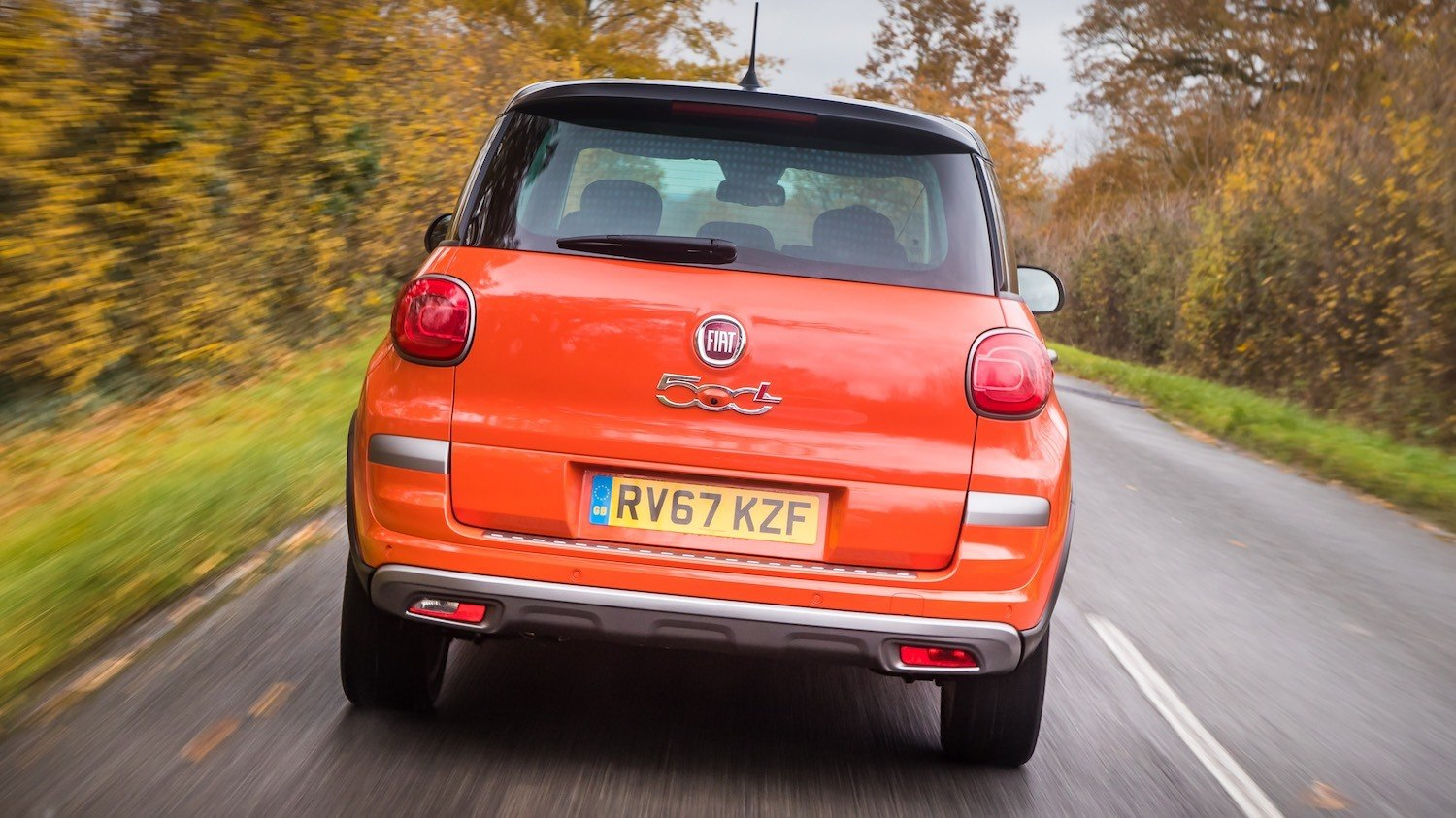 The Fiat 500L reviewed by Tom Scanlan for Drive 30
