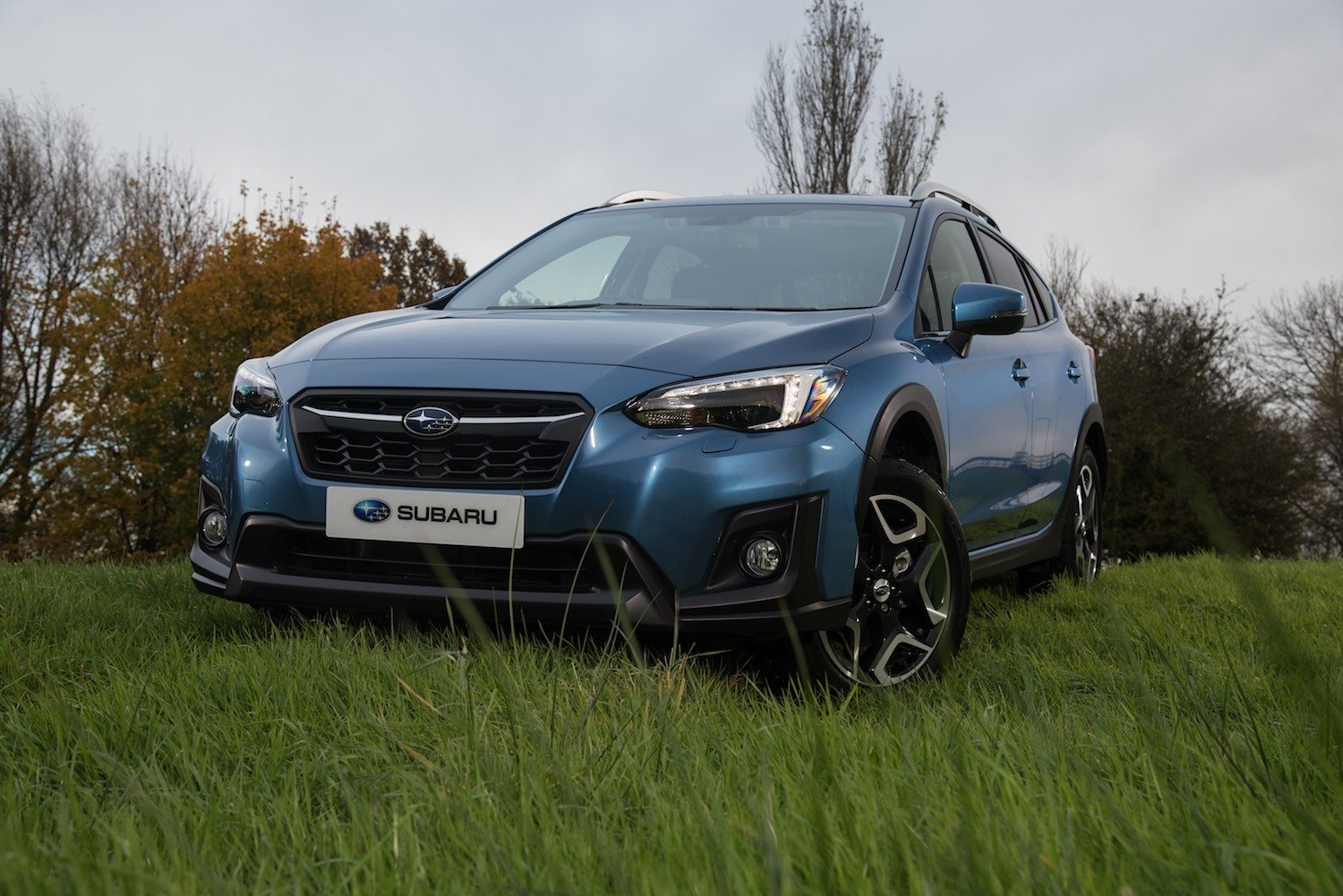 Tom Scanlan reviews the All New Subaru XV SUV for Drive 6