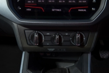 Tom Scanlan reviews the SEAT Arona SE Technology for Drive 14
