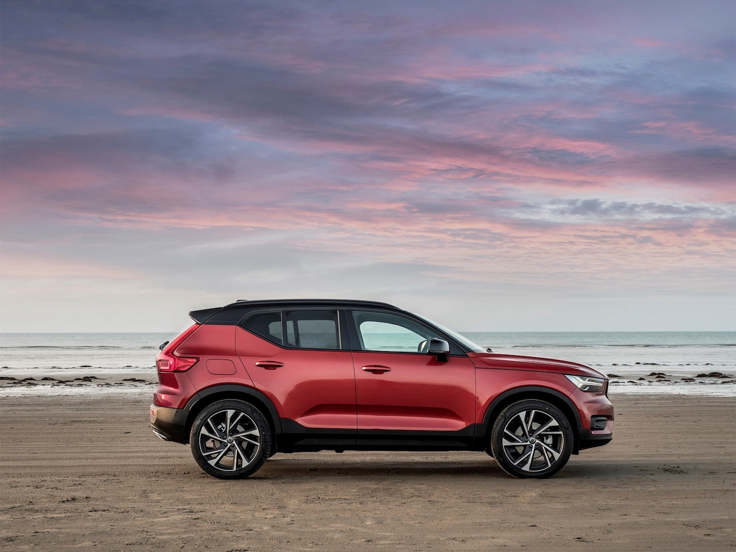 Neil Lyndon reviews the New XC40 from Volvo 39