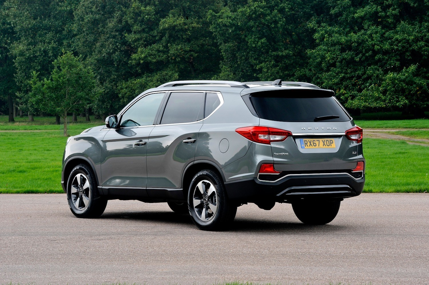 Tom Scanlan reviews the All-New SsangYong Rexton Ultimate 4×4 for Drive 9
