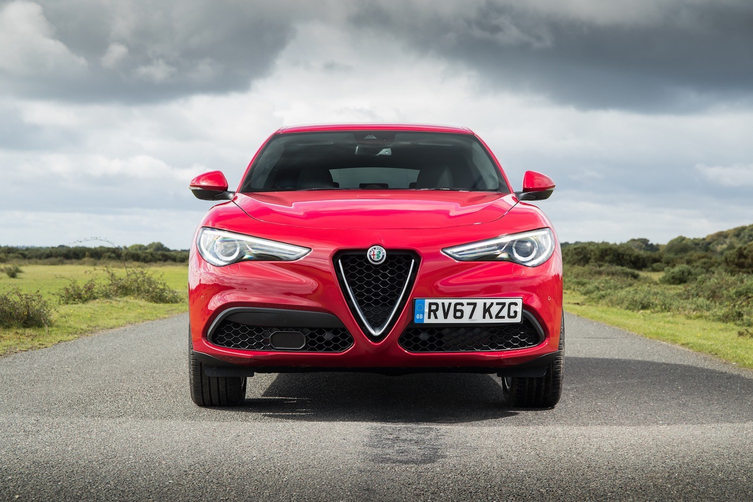 Tom Scanlan reviews Alfa Romeo Stelvio for drive 2