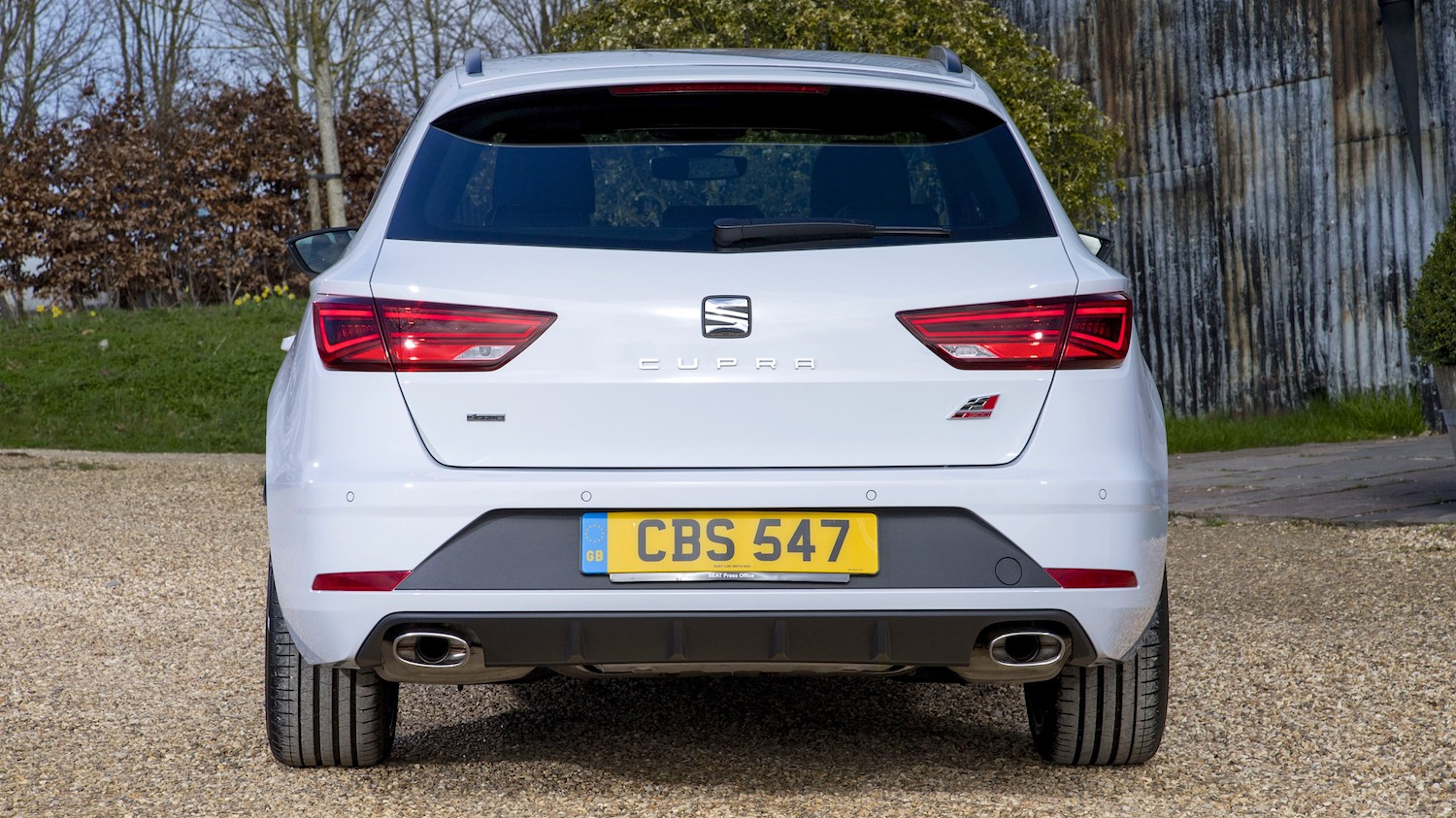 Tom Scanlan reviews the SEAT LEON CUPRA 300 TSi 4Drive for Drive 10