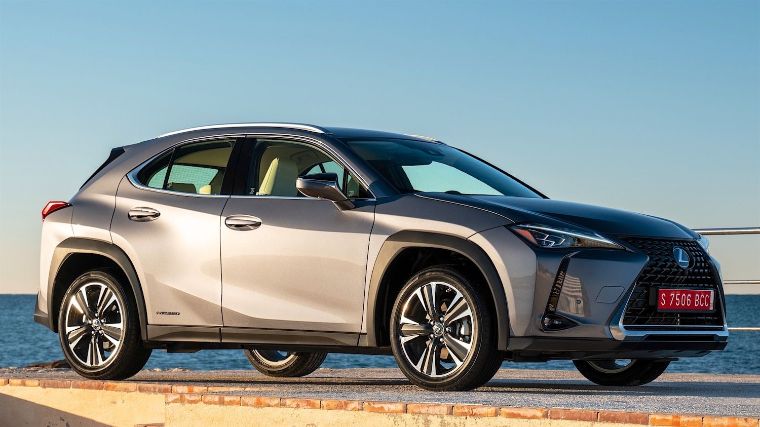 Drivecouk Reviewed Lexus Ux 250h The Urban Explorers Suv